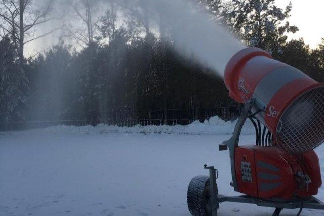 """布拉戈维申斯克的冬季两项运动综合体的建设已经开始/第一个冬季两项综合体将出现在阿穆尔州。它的建设始于布拉霍维申斯克的布拉霍维申斯克(Blagoveshchensk),该村庄位于一个废弃体育馆所在地的Mokhovaya Pad村。第一届比赛将于一月在这里举行。该项目的发起者是阿穆尔州地区体育文化和体育公共组织,越野滑雪运动和冬季两项运动"""" Yary""""体育俱乐部以及阿穆尔州冬季两项运动联合会。"""