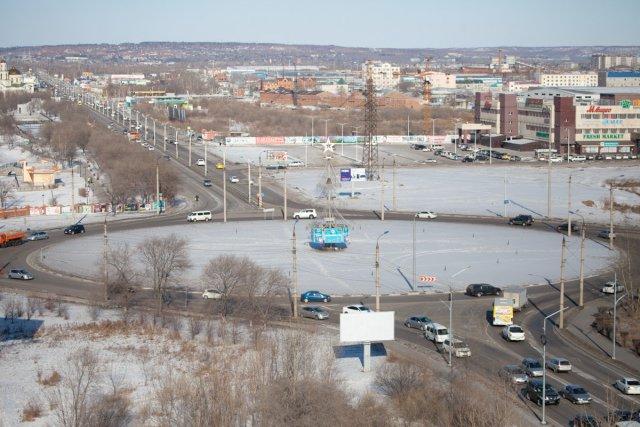 布拉戈维申斯克的加里宁环上的交通将被限制三天/由于布拉戈维申斯克的加里宁环上的技术输水管道的维修,交通将被限制三天,有14条公交路线将暂时改变交通方式。在周二至周四(包括首尾两天)(11月17日至19日)上午10点进行更换,以完全堵塞现场。