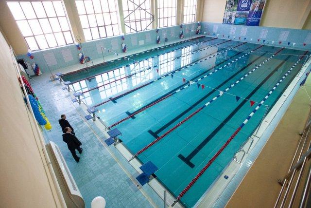 1 час стоимость бассейн старых часов настенных стоимость