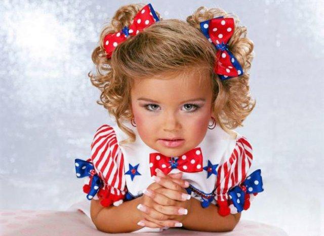 Маленькие модели - дети, модели. Еще от Пинера blingee.com.
