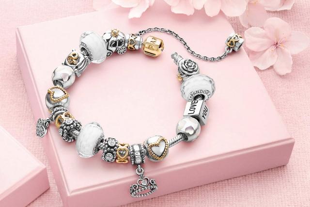 Картинки по запросу красивые браслеты пандора