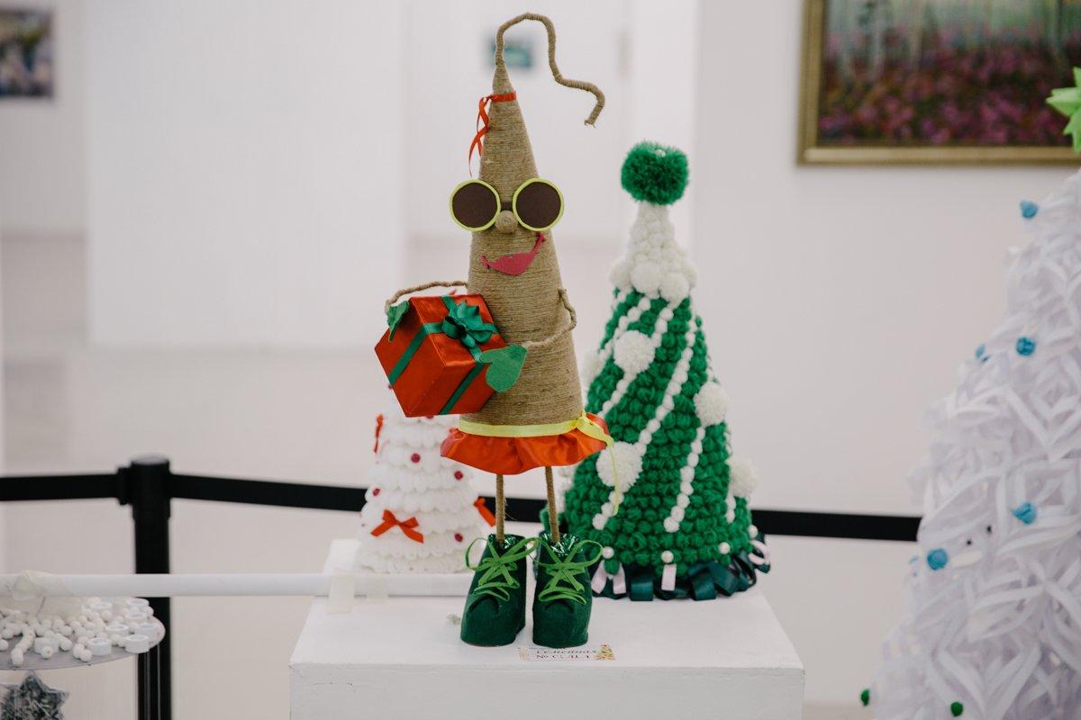 Новогодняя креативная ёлка своими руками фото