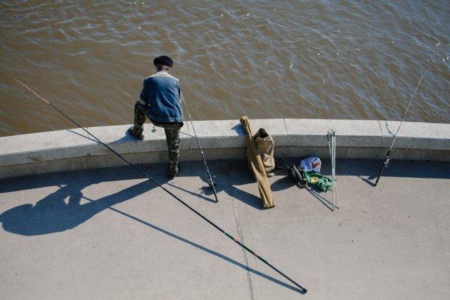 рыбалка на озере в июле