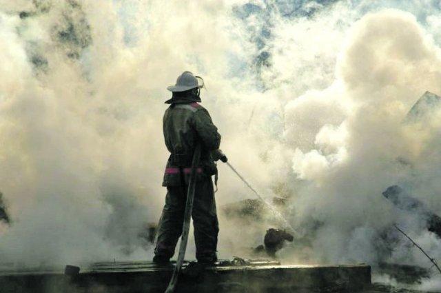 В станице Кардоникской Зеленчукского района Карачаево-Черкесии сгорело 35 рулонов сена