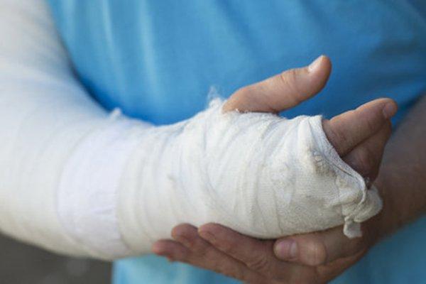 Ребенок сломал руку