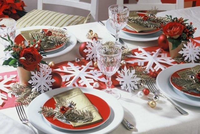 Украшения стола своими руками на новый год фото