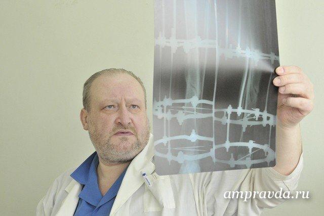 Умер известный российский травматолог Владимир Юлов