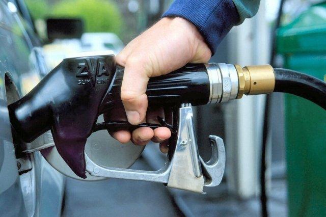Бензин в Российской Федерации начал стремительно дорожать