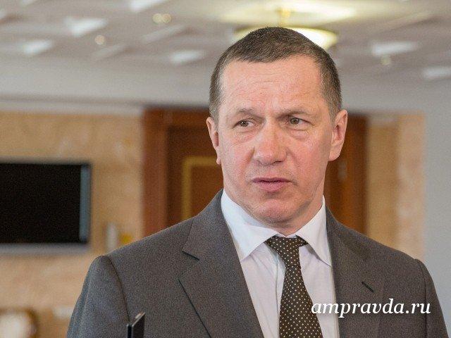 Полпред вДФО Юрий Трутнев лично вручит амурчанам сертификаты нагектары