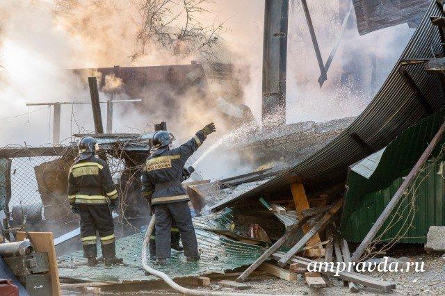 Пожар наблаговещенском складе пиротехники начался из-за короткого замыкания