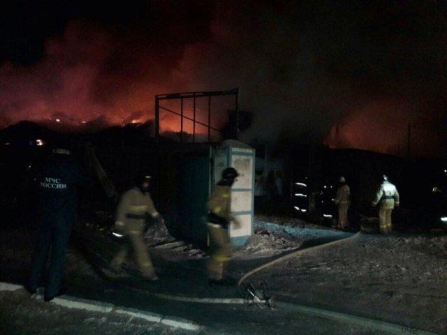 Наавтостоянке вБлаговещенске сгорело неменее 30 машин