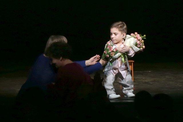 Маленький мальчик не попал на минута славы