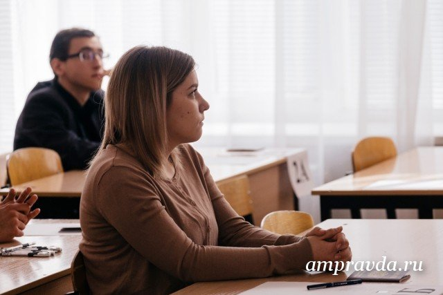 Результаты ЕГЭ порусскому языку: 7 человек получили по100 баллов