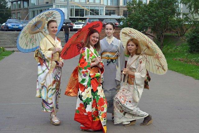 Двухдневные гастроли японского театра «Коноситаями» из Киото начались сегодня в Благовещенске.