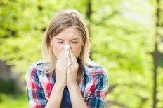 Может ли при аллергии быть заложен нос