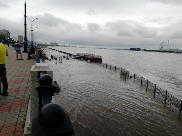 Власти Благовещенска ввели режимЧС из-за ливней исильного ветра
