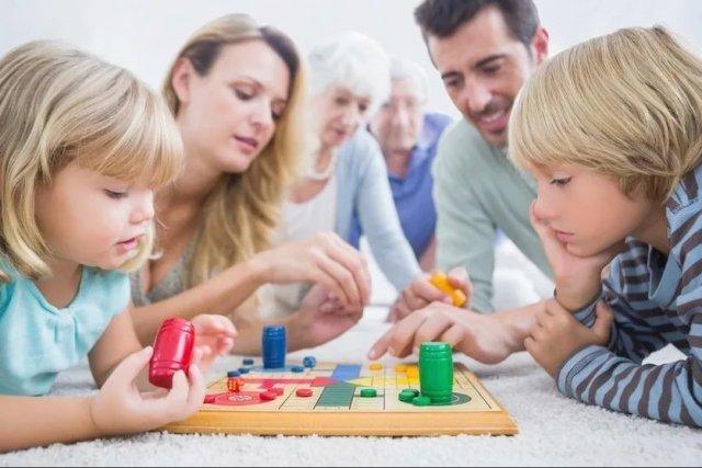 Еще больше золота: пять увлекательных настольных игр для семей с ...