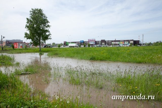 天气预报员在阿穆尔州周末发出暴风雨警告/阿穆尔水文气象中心在阿穆尔州周末发出暴风雨警告。 6月20日星期六,在该地区北部和6月21日星期日,在某些地区,预计将有大雨,大雨和增加的风速可达每秒15-18米。