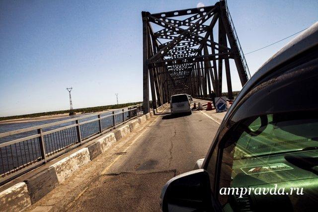 В понедельник в Благовещенске перекроют автомобильный мост через Зею / 24 августа на благовещенском мосту через Зею полностью ограничат движение. Сооружение перекроют в 20:00 вечера, сообщает пресс-служба амурского МЧС.