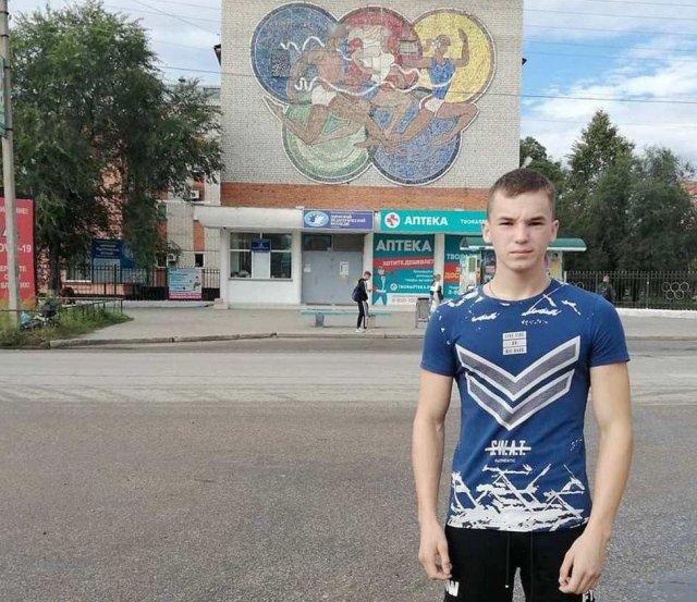 """""""我同意该委员会"""":这名孤儿承认上大学时没有违反行为/""""该大学的招生活动中没有违反行为""""-成立了一个特别委员会作出的裁决,以检查波亚尔科沃村的一名孤儿院学生的上诉。阿列克谢·达夫列托夫(Alexey Davletov)在Instagram上写道,尽管通过了所有必要标准,但他仍不公平地未被阿穆尔师范学院录取。有关情况在媒体上广为宣传;该地区负责人瓦西里·奥尔洛夫(Vasily Orlov)将其置于个人控制之下。"""