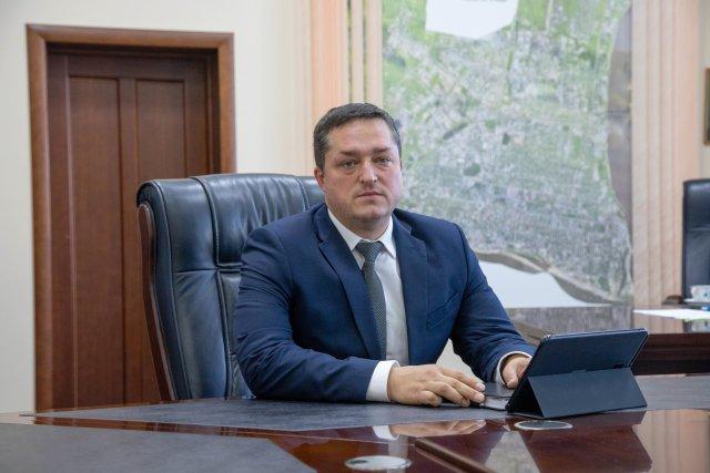 来自科罗廖夫的前建筑工人成为布拉戈维申斯克的新副市长/布拉戈维申斯克的行政部门有了新任命。亚历山大·沃罗诺夫(Alexander Voronov)担任副市长。新任副市长将监督建筑,城市规划和土地关系问题。