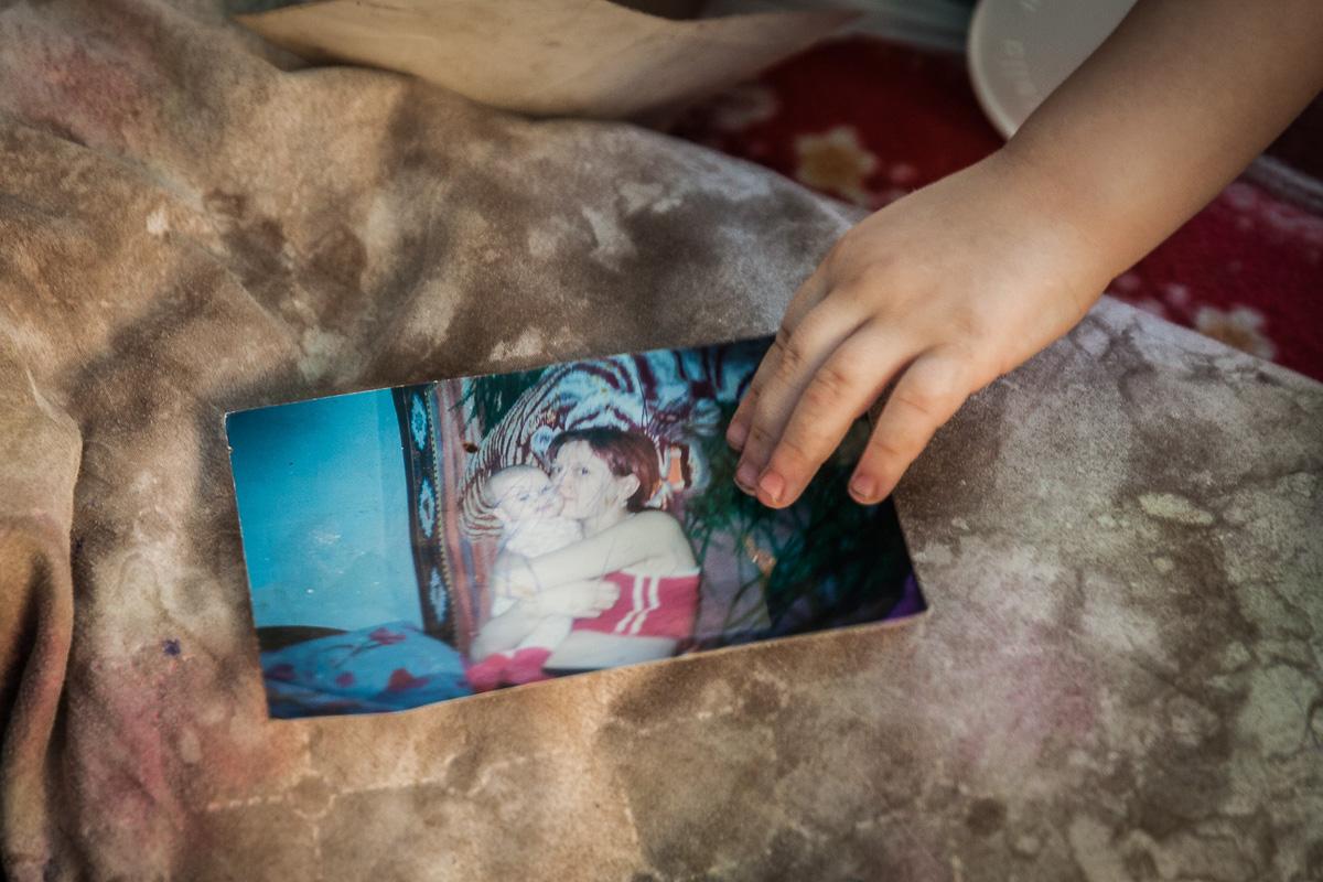 «ВСЕХ ПОДНИМУ!»: ПАПА-ОДИНОЧКА ВОСПИТЫВАЕТ ШЕСТЕРЫХ ДЕТЕЙ ПОСЛЕ СМЕРТИ ЖЕНЫ